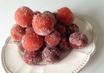 Le castagnole all'Alchermes: la ricetta del Carnevale
