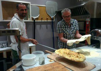 Come preparare la pizza alla pala: i corsi dell'Hotel San Salvador