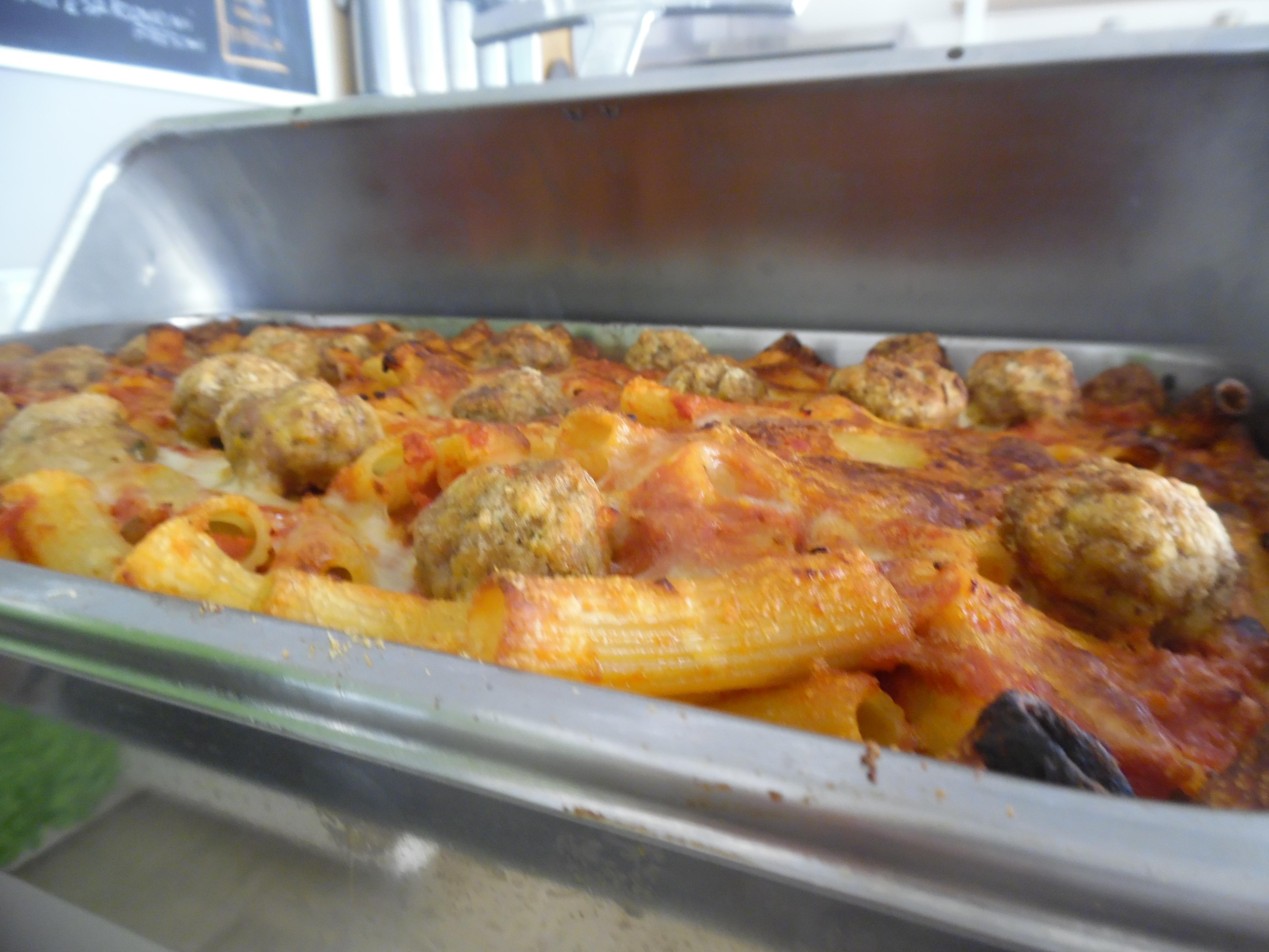 pasta al forno con polpettine-hotel san salvador-igea marina