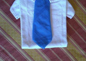 Come fare una camicia con due asciugamani